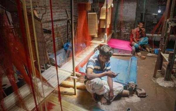 কারোনাকালে বিলুপ্তির হুমকিতে বেনারসি বয়নশিল্প